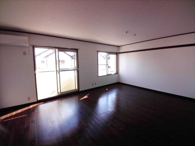 グランハイム林 101号室の居室