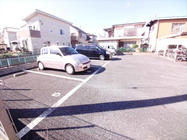 グランハイム林 101号室の駐車場