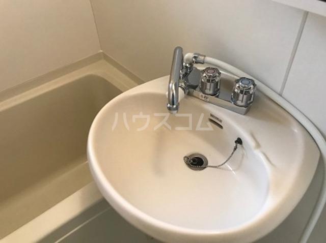 ハイツK A202号室の洗面所