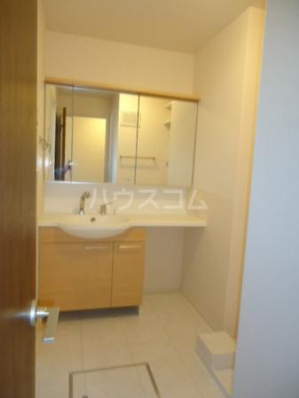 Sereno・HALU A-203号室の洗面所