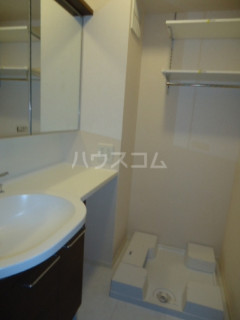 Sereno・HALU B-201号室の洗面所
