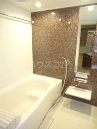 Sereno・HALU B-201号室の風呂
