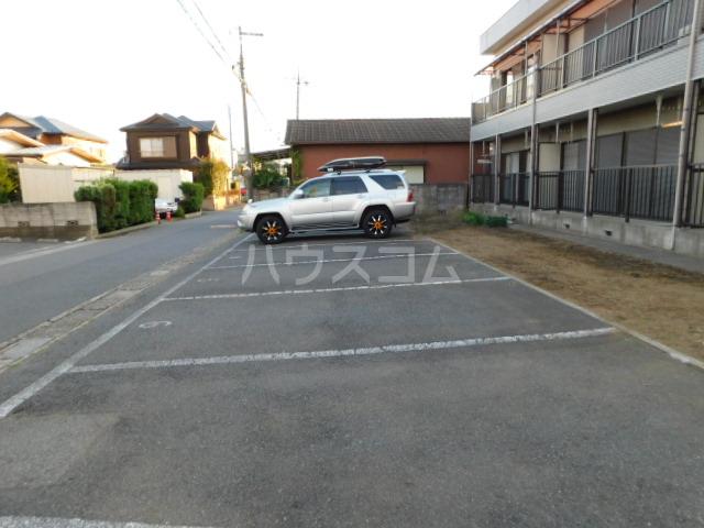 メゾン・イデウラA 202号室の駐車場