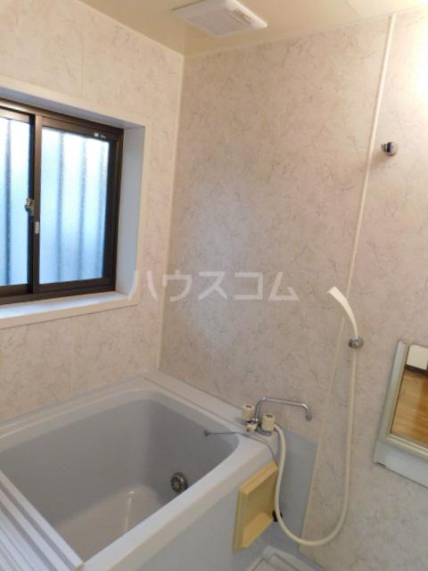 メゾン・イデウラA 202号室の風呂