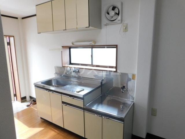 ゴールド 201号室のキッチン