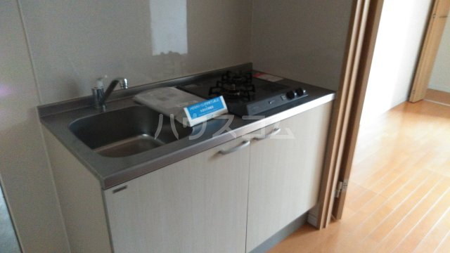 レガーロ上尾愛宕Ⅱ 102号室のキッチン