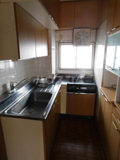 エスカイア上尾 402号室のキッチン