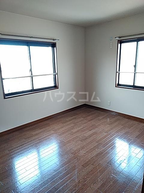 グランドヒルズD 101号室の居室