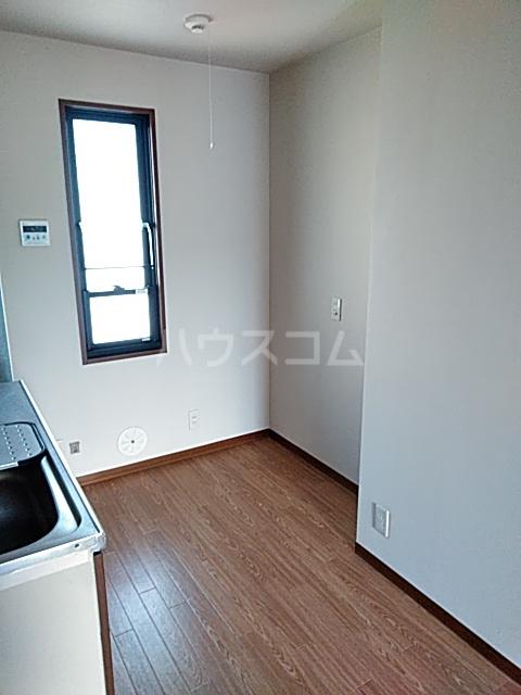 グランドヒルズD 101号室のキッチン