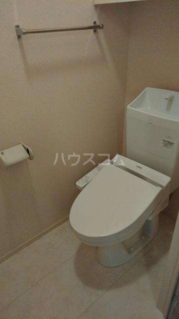 メテオール 102号室のトイレ
