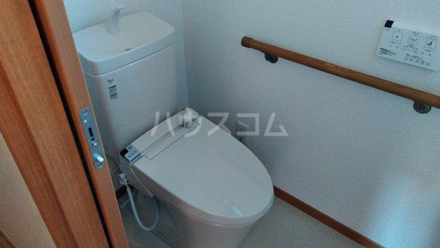 菖蒲町倉庫付き貸家のトイレ