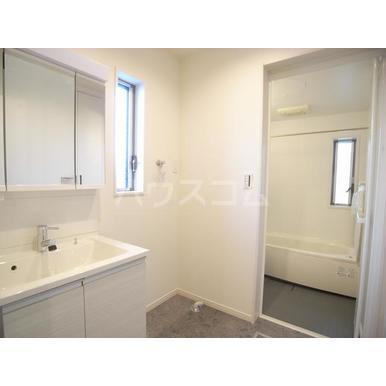 シルクロード原市 101号室の洗面所