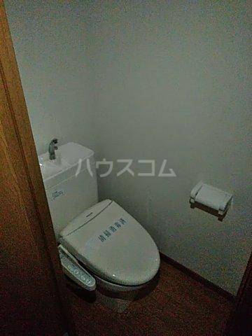 メゾン ルオーイェ 105号室のトイレ
