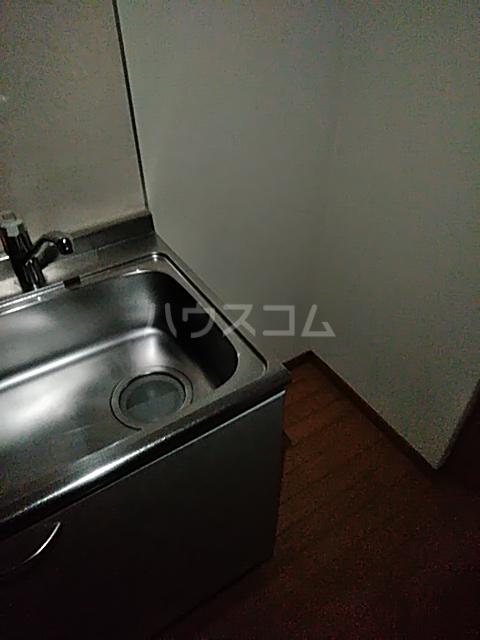 メゾン ルオーイェ 105号室のキッチン