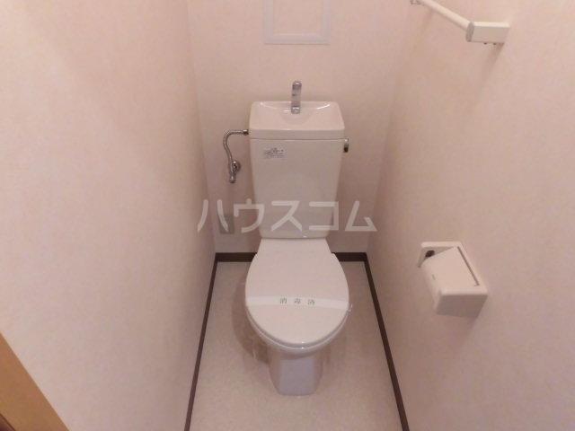 フィオーレ 101号室のトイレ