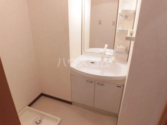 フィオーレ 101号室の洗面所