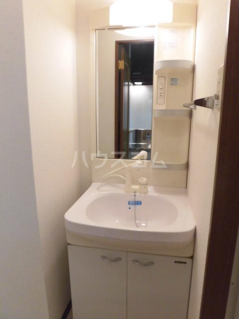 SYLPH・K 503号室の洗面所