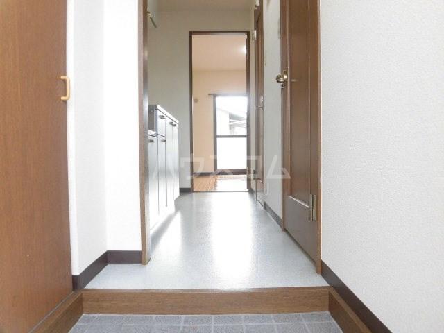 マンション アルティア 103号室の玄関