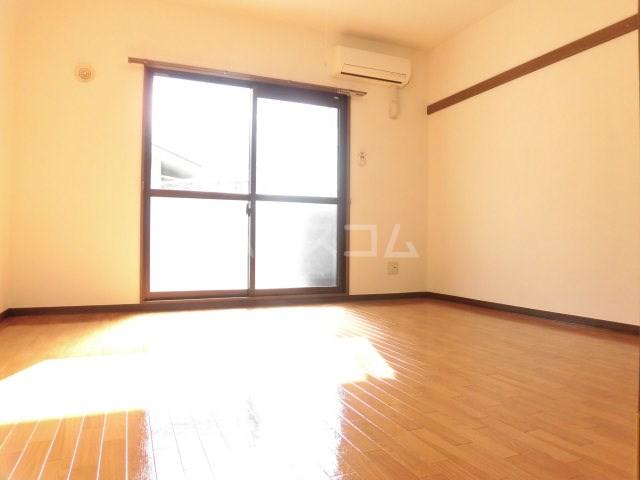 マンション アルティア 103号室のベッドルーム