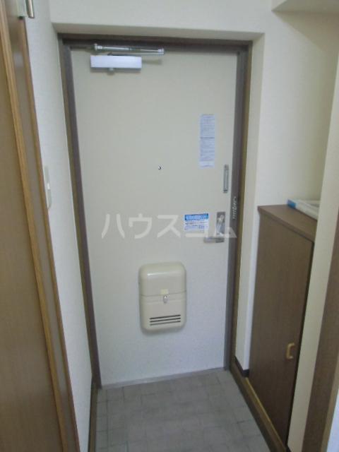 ドミールⅥ 205号室の玄関