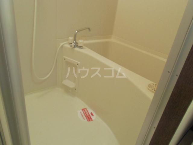 ドミールⅥ 205号室の風呂