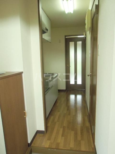 ドミールⅥ 205号室の居室