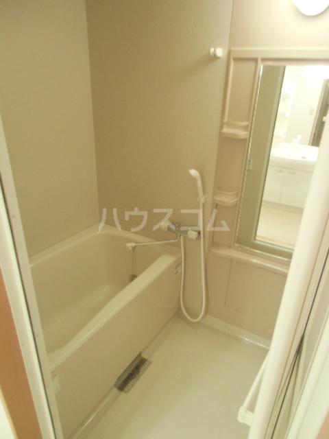 グランストーク波音 202号室の風呂