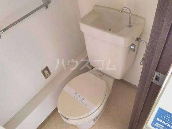 トレンディ 102号室のトイレ
