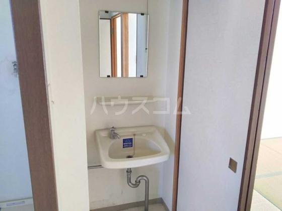 トレンディ 102号室の洗面所