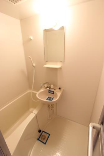 インヘリッツ田原 402号室の風呂