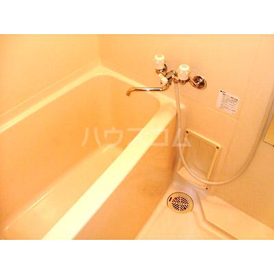 ニューロング博多 502号室の風呂