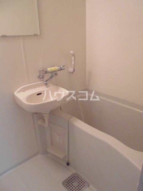 ルミノスコート 501号室の風呂