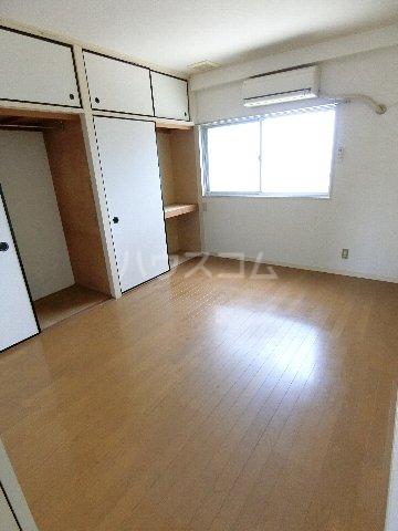 メルヘンハイツ 401号室のベッドルーム