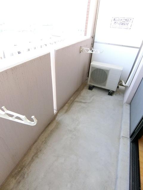 サンスカイ北天神 1002号室のバルコニー