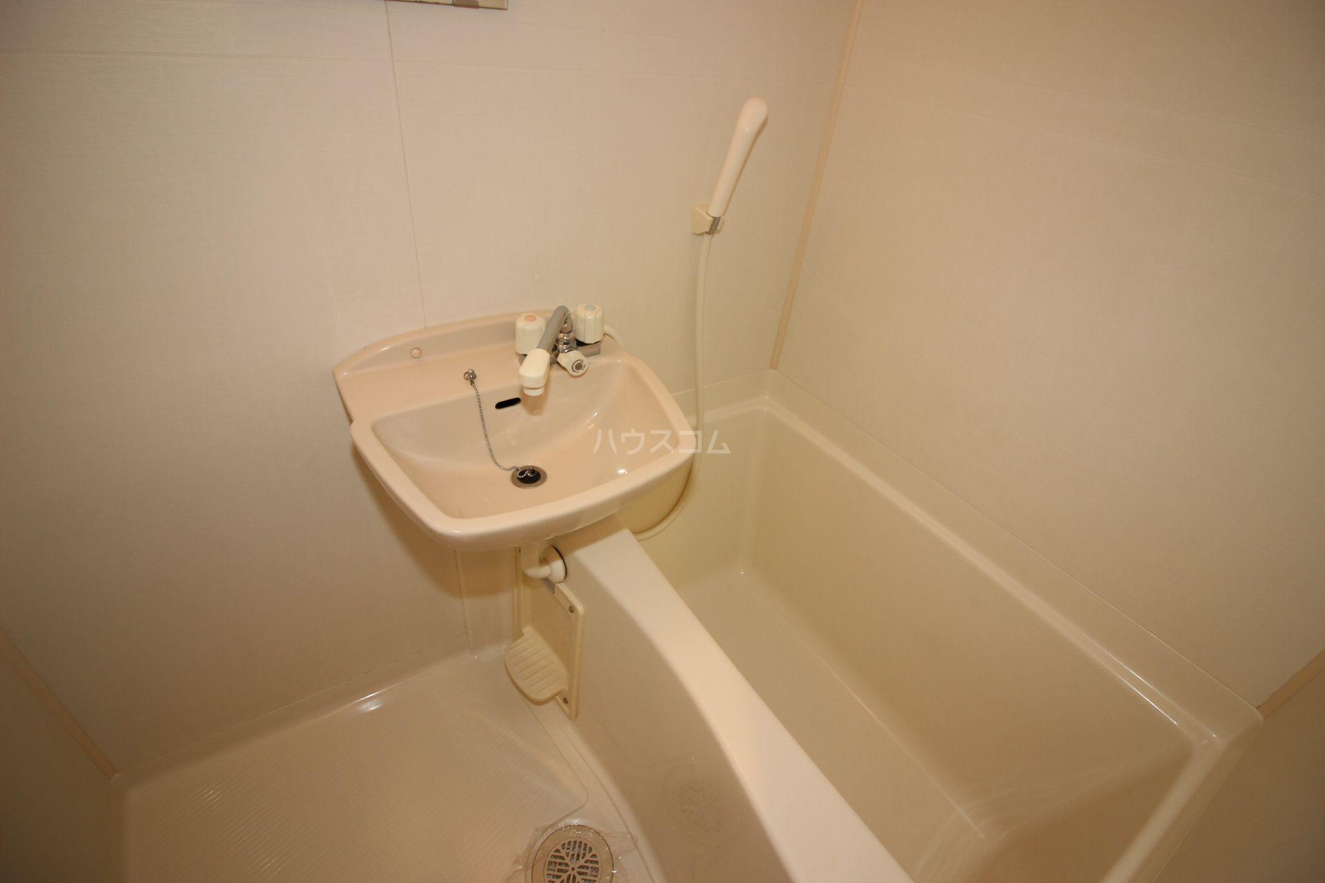 ヤマトビル2 301号室の風呂