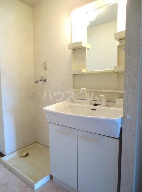 サンクアンセスタ 201号室の洗面所