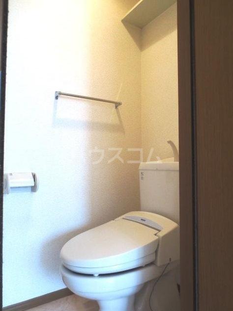 サンクアンセスタ 201号室のトイレ