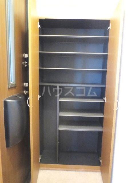 サンクアンセスタ 201号室の玄関