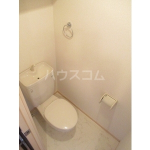 セゾンドール貝塚 1307号室のトイレ