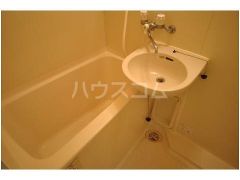 スライビング冷泉 401号室の風呂