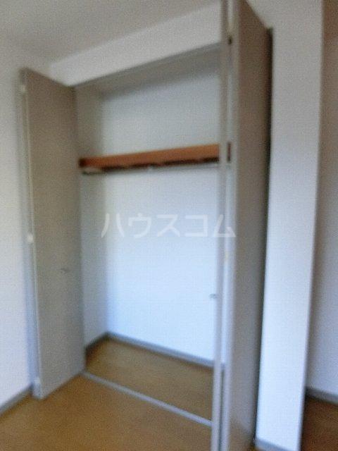 メゾン・ド・レスポアールⅡ 401号室の収納