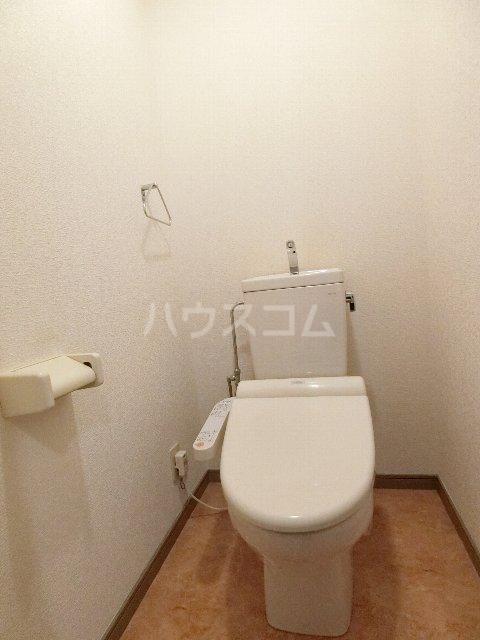 メゾン・ド・レスポアールⅡ 401号室のトイレ