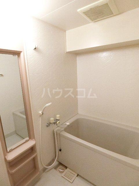メゾン・ド・レスポアールⅡ 401号室の風呂