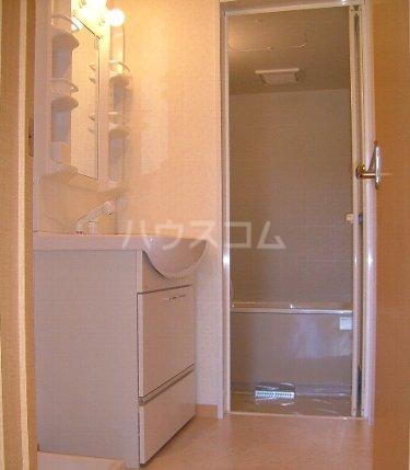 ジャルダン 101号室の風呂
