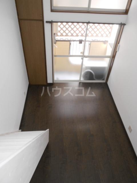 アルファ博多駅東 103号室のリビング