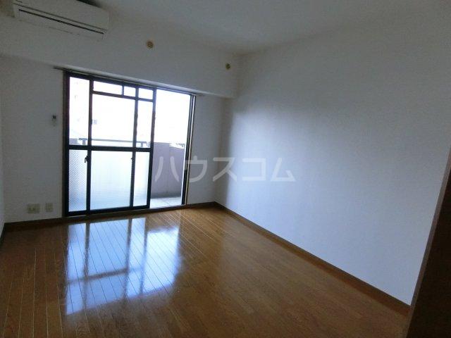 グランシャリオ箱崎 505号室の居室
