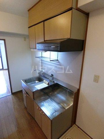 グランシャリオ箱崎 505号室のキッチン
