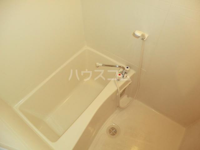 メゾン・ド・レスポアール 201号室の風呂