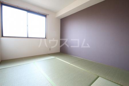 リバーコート志免 302号室の居室