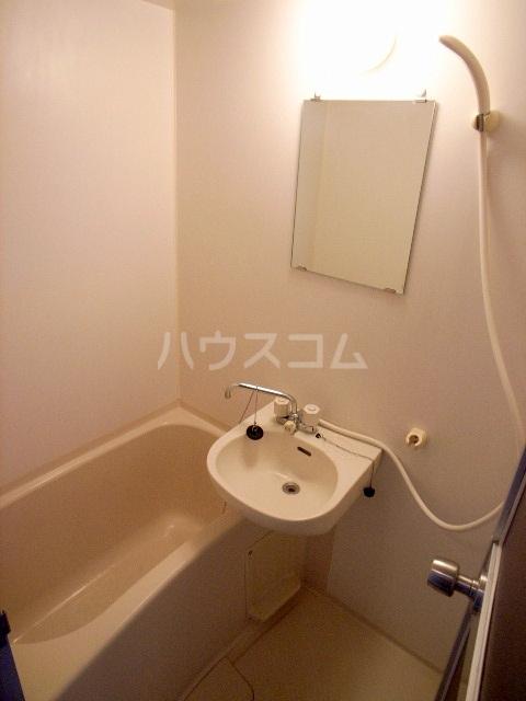 ダイナコート箱崎Ⅱ 602号室の風呂